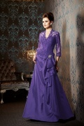 A Line V Neck Long Taffeta Mother Dress With Lace Appliques