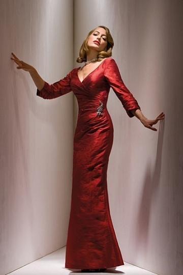 Elegant Long Taffeta Mermaid V Neck Red Mother of the Bride Dress with Sleeves