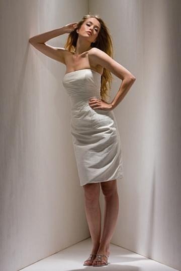 Elegant Knee Length Strapless White Mother of the Bride Dress