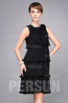 Robe cocktail noire à volants longueur genou