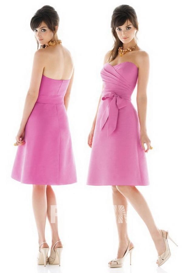 robe demoiselle d 39 honneur rose courte avec noeud papillon. Black Bedroom Furniture Sets. Home Design Ideas