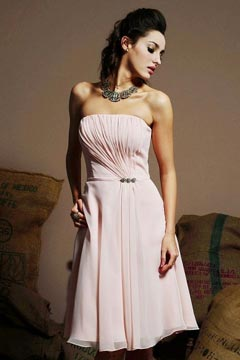 Petite robe rose bustier ruché en mousseline longueur genoux