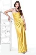 Vestido de madrinha em cetim amarelo pregueado decote em coração Vestido longo