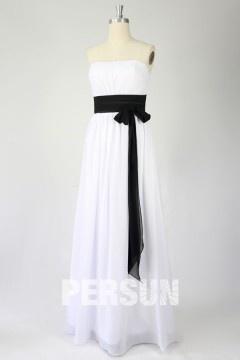 Robe demoiselle d'honneur bustier en mousseline Ligne A avec ceinture noire en contraste