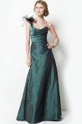 Vestido de dama de honra elegante em tafetá verde um ombro pregueado