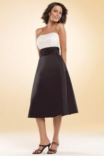 Vestido de madrinha linha-A pregueado Sem alça em cetim longo de bezerro