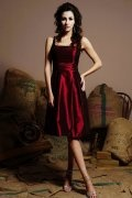 Pleats Straps Taffeta Burgundy A line Short Formal Bridesmaid Dress