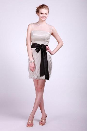 Vestido de madrinha sem manga em coluna tule