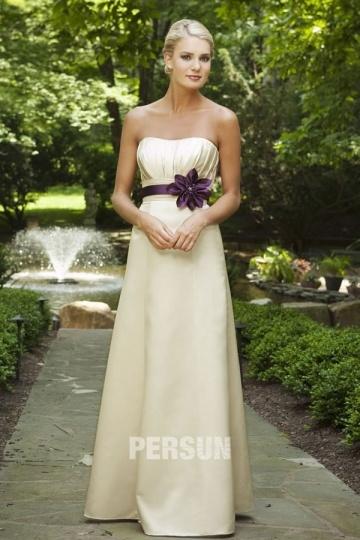 Vestido de Dama de Honor Largo de Satén crema con Strapless Fajines Aplique Corte A