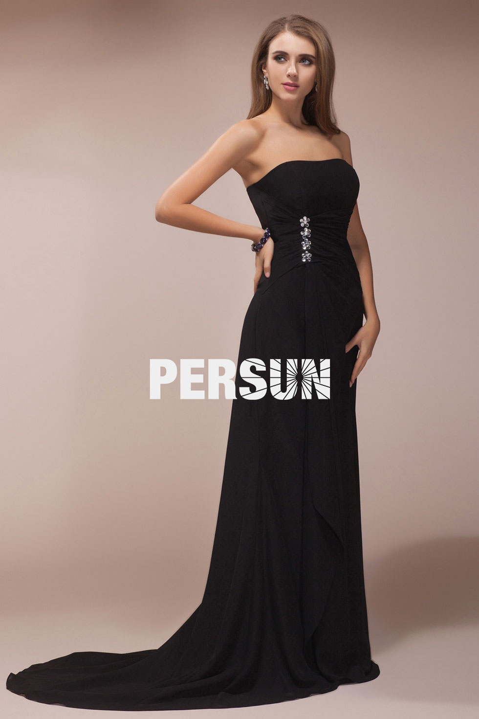 robe bustier noire pour soir e longue simple par e de bijoux. Black Bedroom Furniture Sets. Home Design Ideas