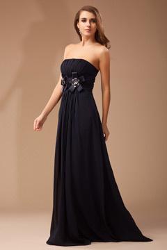 Robe noire chic longue pour demoiselle d'honneur bustier ornée de fleur