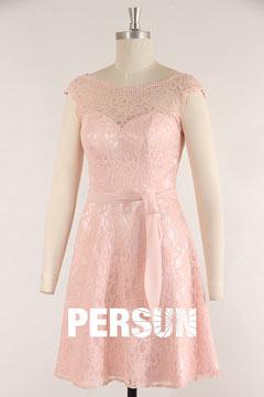Robe de cocktail rose pastel courte dentelle dos V échancré