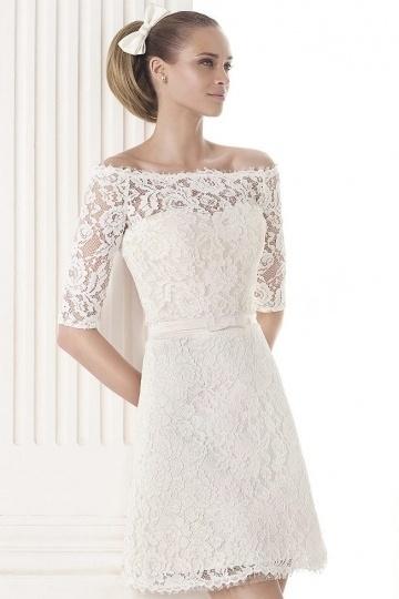 Elegantes A-Linie Ivory Spitze Knielanges Brautkleider mit Ärmel Persun