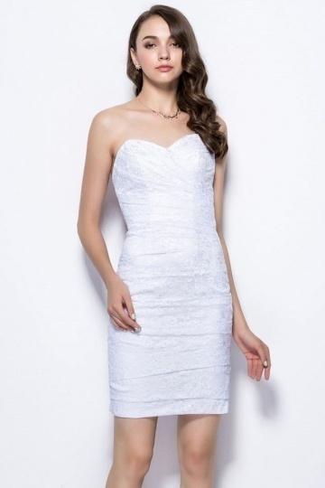Sexy Etui-Linie weißes Herz-Ausschnitt Abendkleider aus Spitze Persun