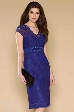 Robe de soirée courte genoux en dentelle violette mancherons
