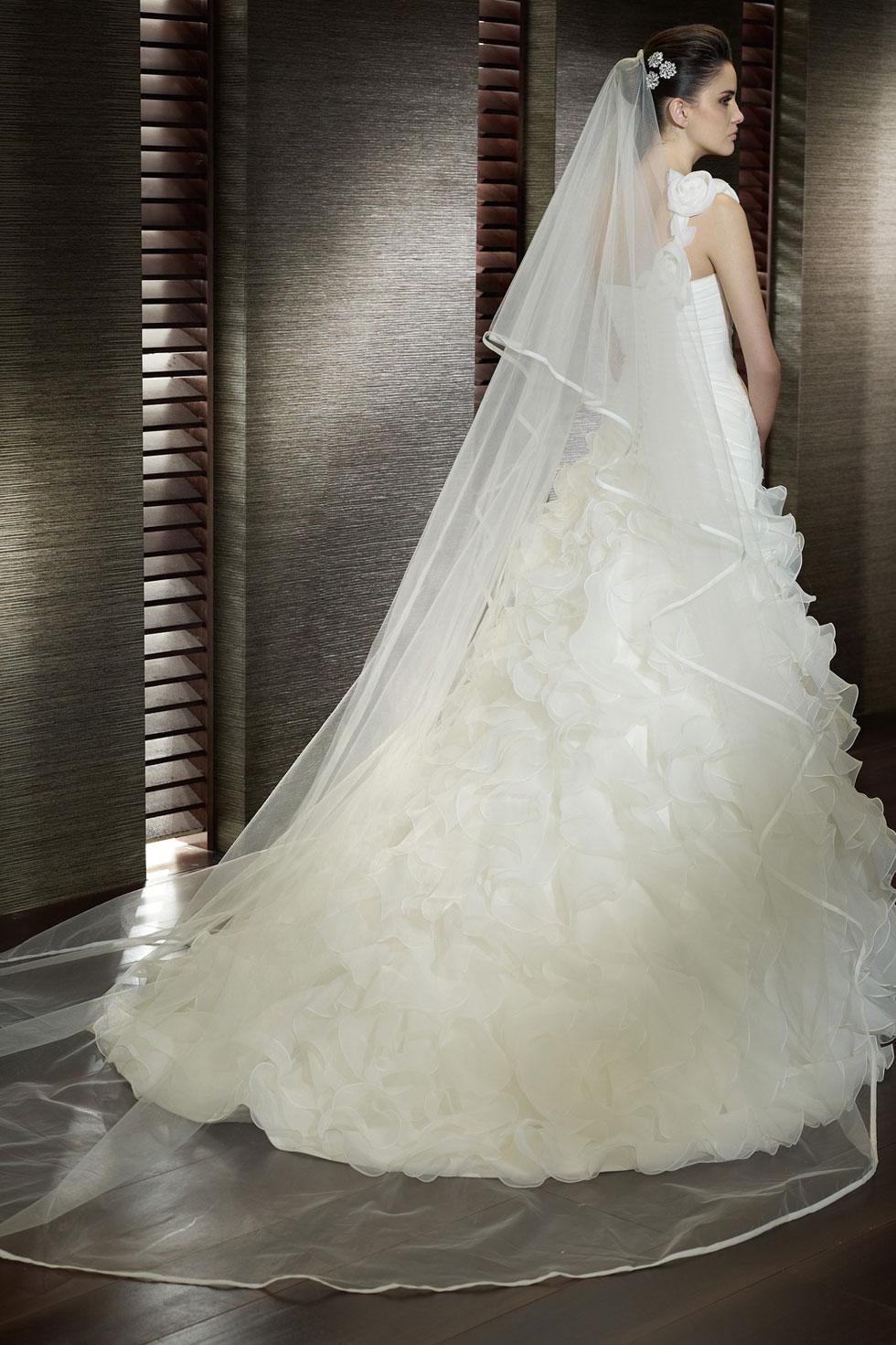 G nstig t ll ivory kathedrale l nge brautschleier online for Brautschleier ivory einlagig