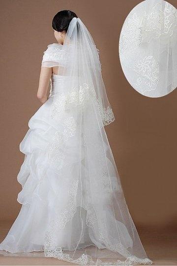 Walzerlang zweischichtig klassisch Lace Applikationen Hochzeit Schleier Persunshop