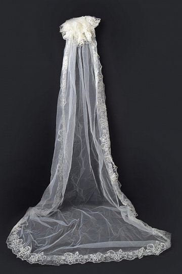 Kathedralenlang einschichtig klassisch Lace Wellenkante Hochzeit Schleier Persunshop