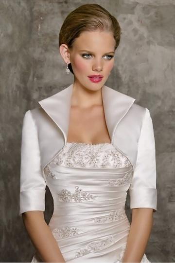 Boléro en satin à manche mi-longue pour une robe de mariage