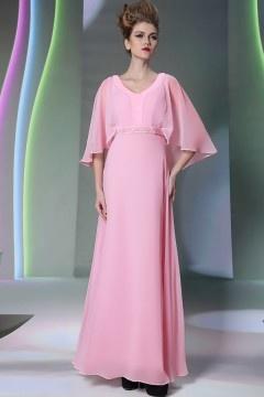 Longue robe de soirée rose avec cape orné de strass sur la taille
