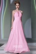 Robe de soirée rose empire ruchés ornée de bijoux