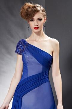 Robe bleu pour soirée à encolure asymétrique