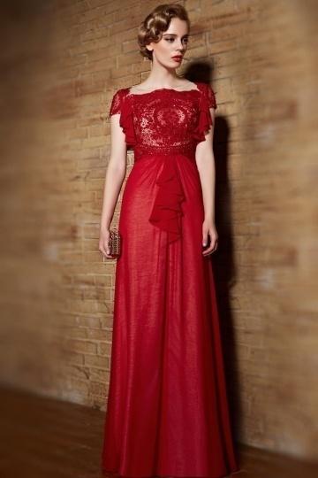 robe-rouge-a-manches-froufrous-en-dentelle-vintage