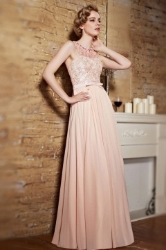 Robe soirée rose champagne buste en dentelle exquise col perlé