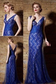 Robe de soirée dentelle bleu royal à encolure et dos échancré en V