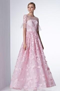 Robe de mariée rose bonbon en dentelle à manche evasée