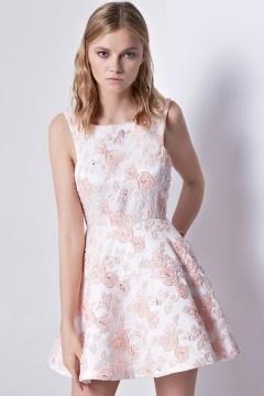 Petite robe rose dentelle florale vintage poches côtés pour cocktail mariag