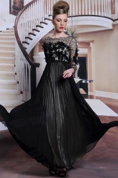 Noire robe chic à haut ajouré pour soirée