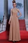 Longue robe du soir en mousseline à taille Empire