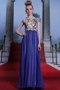 Elégante robe soirée à haut plein de broderies