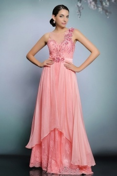 Robe bal corail encolure illusion doublure en dentelle