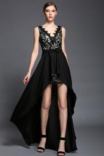 Robe bal en dnetelle noire col V dotée jupe détachable courte devant longue derrière