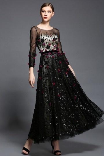 Robe de soirée noire appliquée des fleurs & bijoux à manche longue