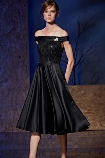 Petite robe de cocktail épaules dénudées mi-longue en bijoux