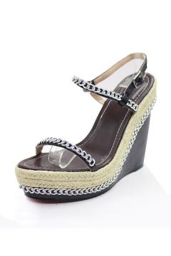 Sandale compensée ornée de chaîne