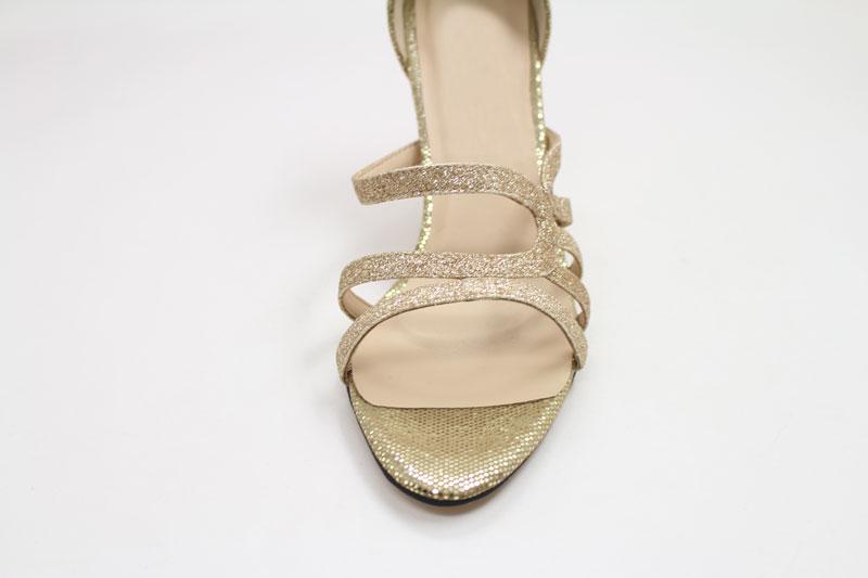 Schöne Damen Schuhe in Gold