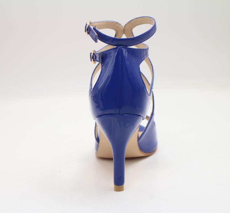 Modische Schuhe in Blau