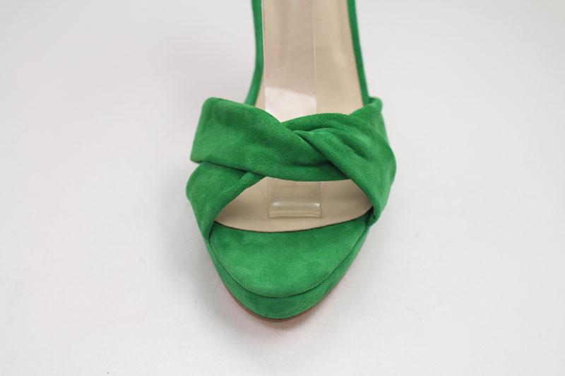 Grünes Sandalen