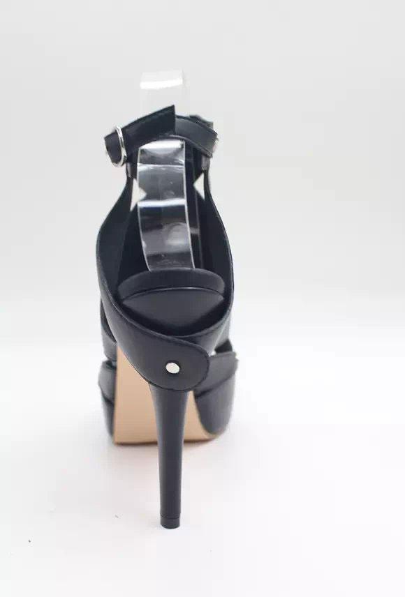 Schwarzes Schuhe