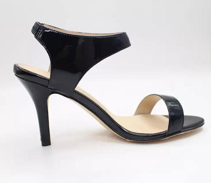Schwarzes Sandalen