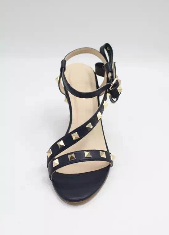Modernes Sandalen