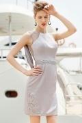 Modisch Grau Boot-Ausschnitt Kurz Etui-Linie Abendkleid aus Satin