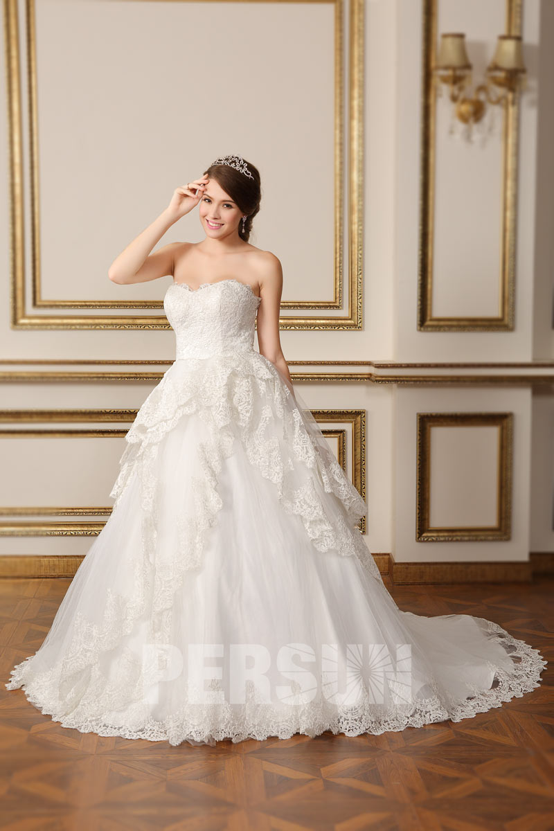 Vintage sweetheart strapless lace church wedding dress for Dresses for church wedding