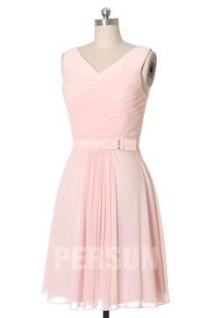Robe courte plissée décolleté en V en mousseline rose pâle