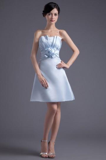 Vestido Verão de de madrinha em cetim azul bustiê em pregueado sem manga