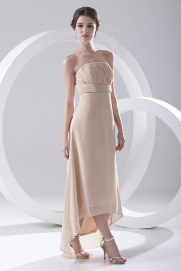 Vestido de madrinha bustiê curto tomara que caia bainha assimética